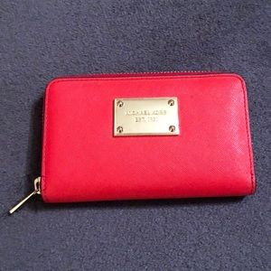 MICHAEL KORS zipper wallet